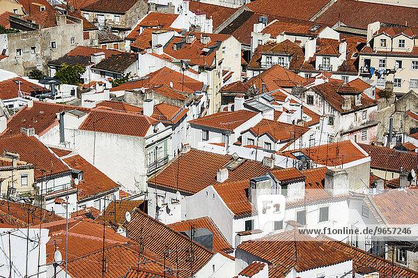 Ausblick über die Dächer  Altstadt  Alfama  Lissabon  Portugal  Europa