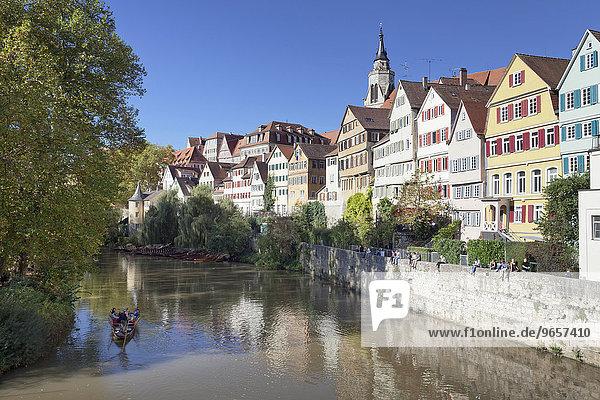 Tübinger Altstadt mit Hölderlinturm und Stiftskirche am Neckar  Tübingen  Baden-Württemberg  Deutschland  Europa