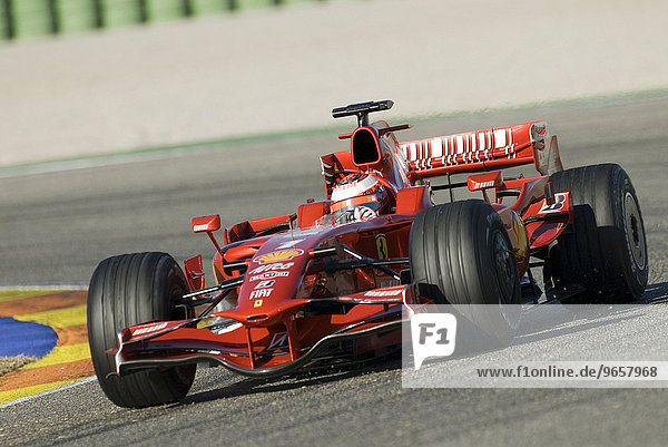 Kimi RAEIKKOENEN  Finnland  im Ferrari F2008  bei Formel 1 Testfahrten auf dem Circuit Ricardo Tormo bei Valencia  Spanien  Europa