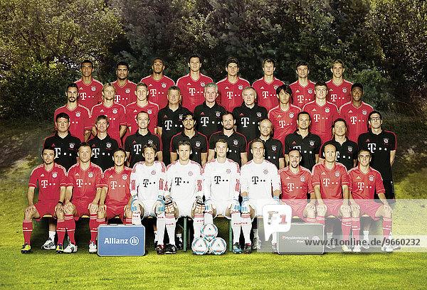 Mannschaftsfoto Bundesliga Mannschaft FC Bayern München Saison 2010 - 2011