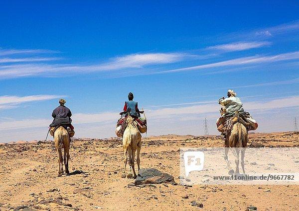 Karawane gehen Kamel Campingwagen Ägypten Sudan