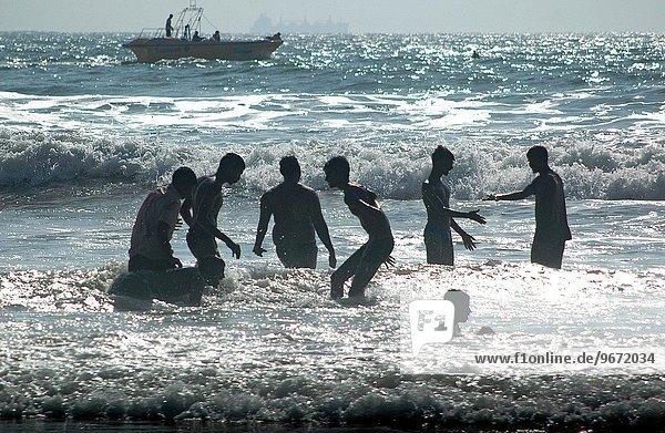 Mann Strand Indien indische Abstammung Inder Goa