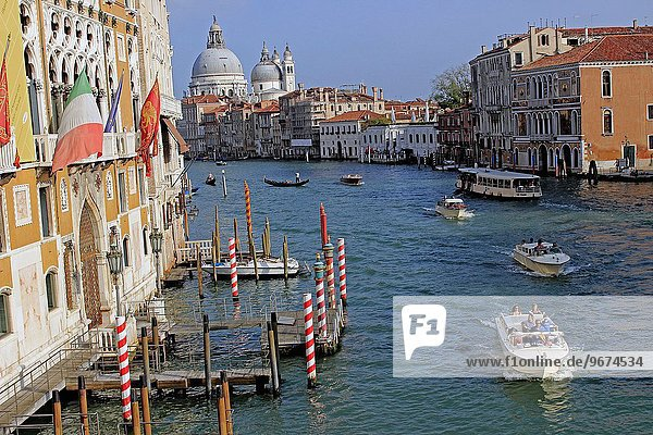 Ehrfurcht Boot Italien