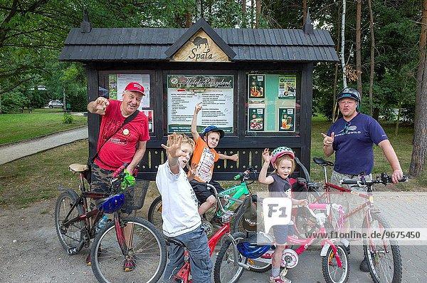 Fest festlich fahren Wald 3 Mittelpunkt Fahrrad Rad Generation mitfahren