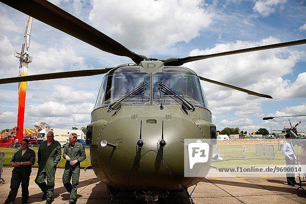 zeigen Transport britisch Himmel Hubschrauber Merlin Falco columbarius Lincolnshire