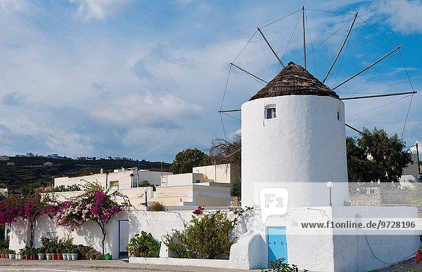 Wohnhaus Tal Stadt weiß Insel Griechenland Windmühle Fira griechisch