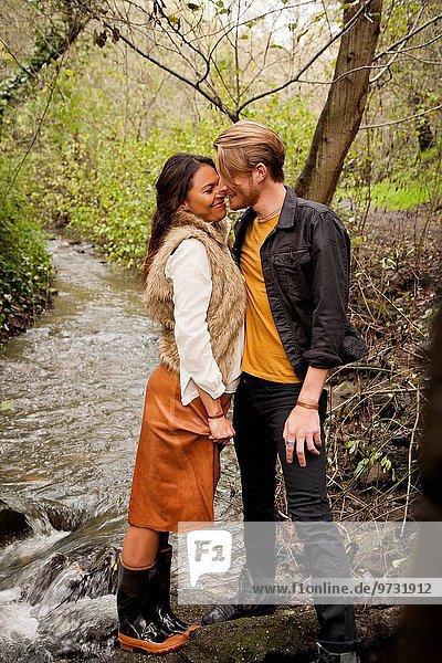 nahe Frau Mann küssen Bach