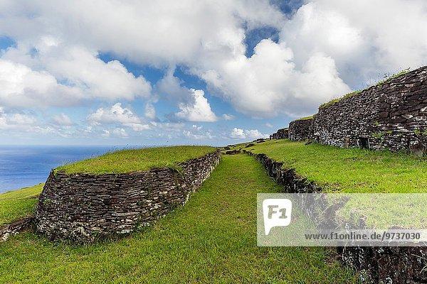Osterinsel Rapa Nui Stein Gebäude Dorf Zeremonie 1 Süden Chile