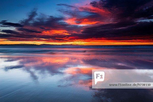 Strand Sonnenuntergang über Insel
