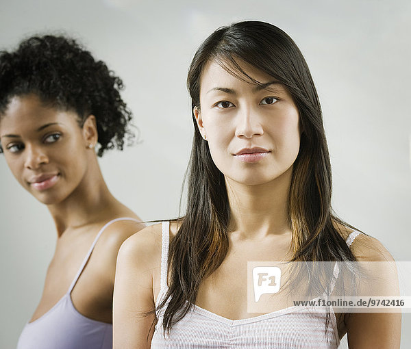 Frau ernst chinesisch Hintergrund Freund