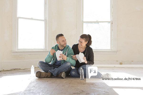 Boden Fußboden Fußböden mischen ausführen essen essend isst Eigentumswohnung Mixed neues Zuhause