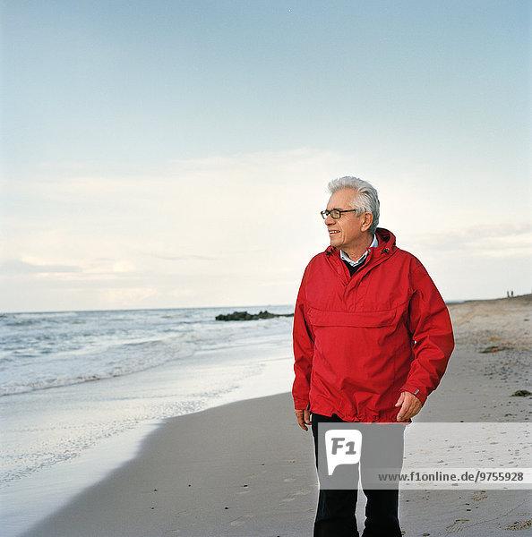 Senior Senioren Mann Strand
