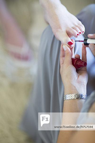 Brautjungfernmalerei Brautnägel vor der Hochzeit