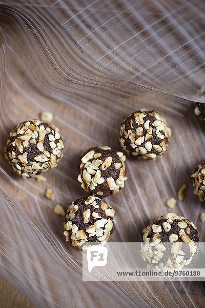 Hausgemachte Schokoladen-Haselnuss-Trüffel