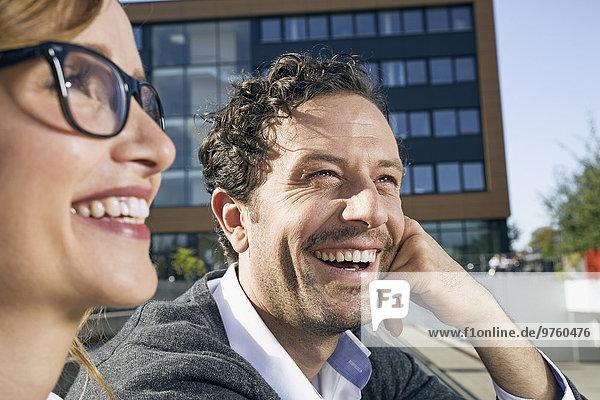 Porträt eines lachenden Geschäftsmannes
