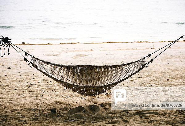 Philippinen  Palawan  Hängematte am Strand bei El Nido