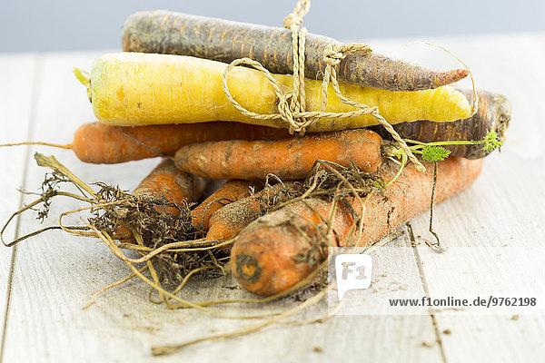 Verschiedene Arten von Bio-Karotten