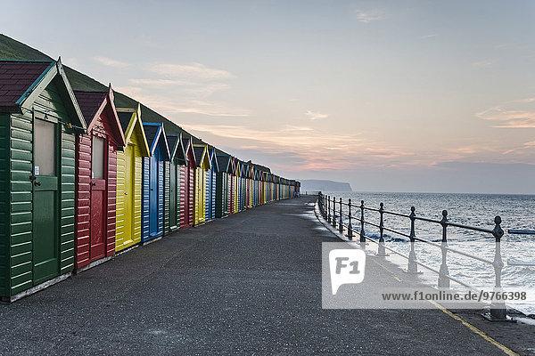 Strandhütten in Whitby  England  Großbritannien
