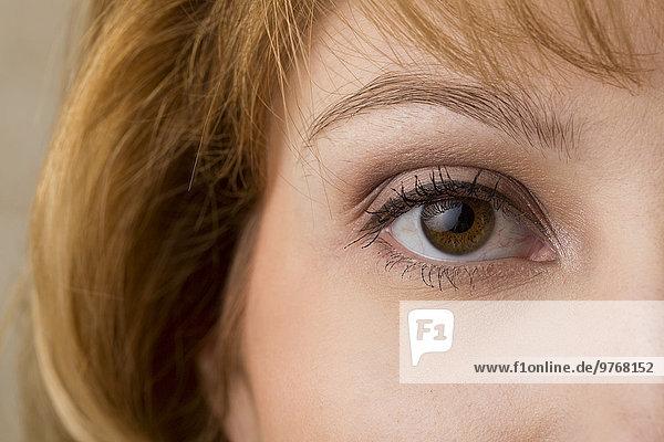 Auge einer jungen Frau  close-up