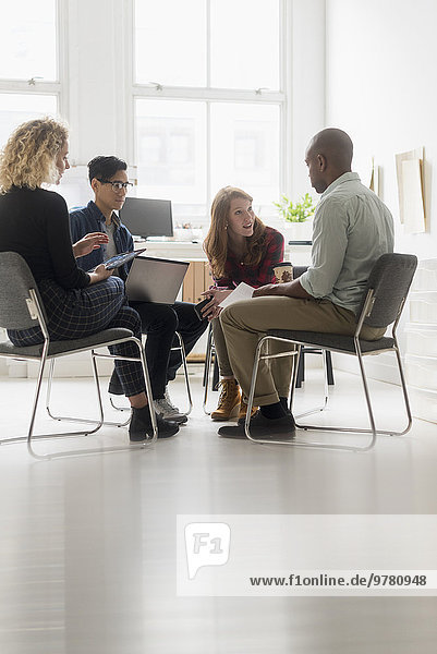 Freundschaft Büro Geschäftsbesprechung Besuch Treffen trifft Business