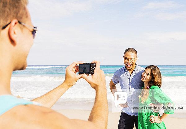 Mann Fotografie nehmen Strand jung