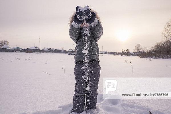 Junge - Person Schnee Feld Anorak spielen