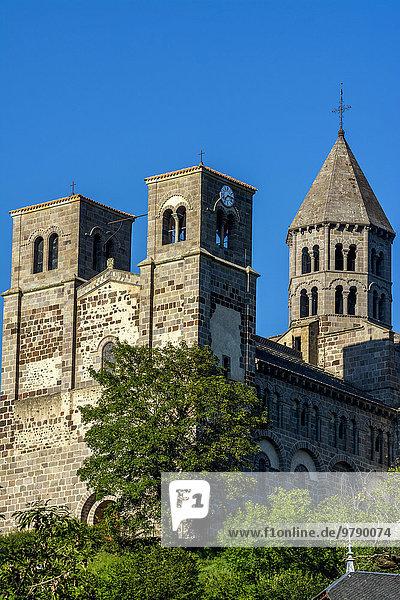 Romanische Kirche von Saint-Nectaire  Département Puy-de-Dôme  Auvergne  Frankreich  Europa