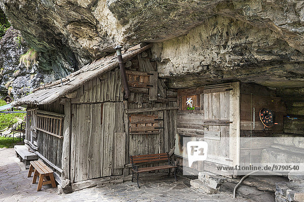Wooden hut with cliffs  Valle d'Angheraz  Pala Group  Dolomites  Col di Prà  Veneto  Italy  Europe