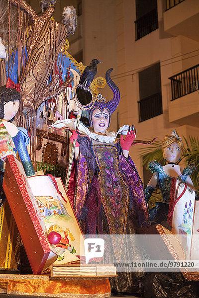 Imaginative costume at the carnival  Santa Cruz de Tenerife  Tenerife  Canary Islands  Spain  Europe