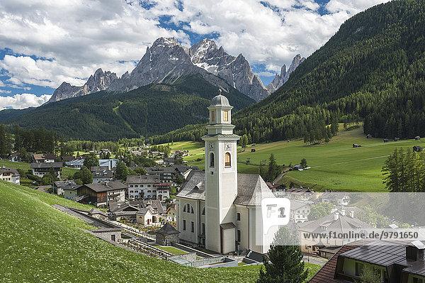Dorf Sexten  Sextental  hinten Sextner Dolomiten  Sexten  Südtirol  Italien  Europa