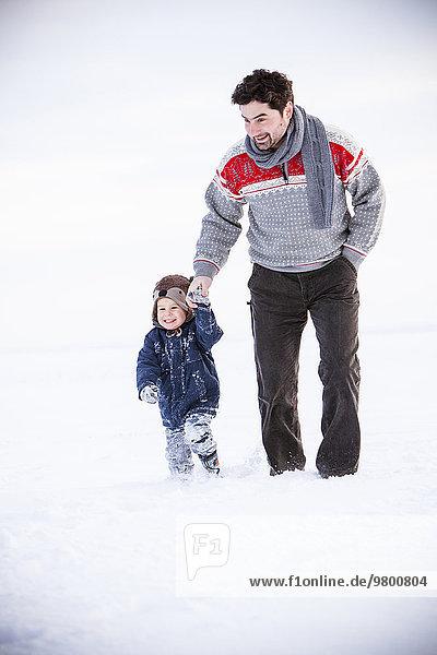 gehen Menschlicher Vater Sohn Schnee