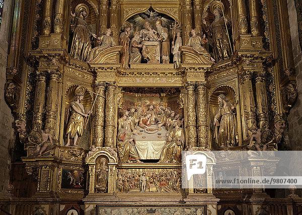 Barocker Altar mit Abendmahl-Szene  Seitenkapelle  Kathedrale La Seu  Palma  Mallorca  Balearen  Spanien  Europa