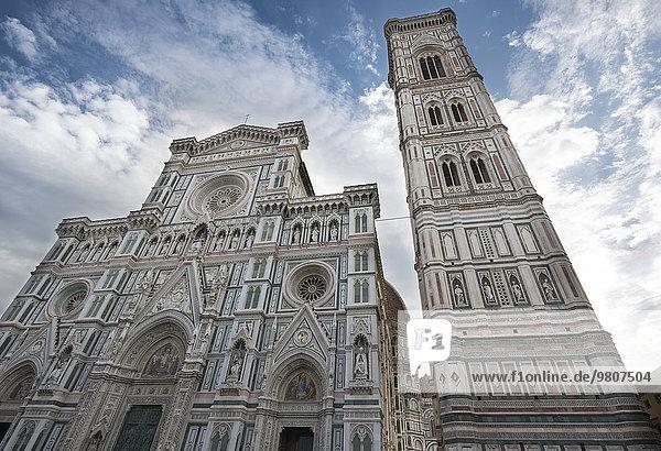 Campanile und Dom  Kathedrale  Duomo Santa Maria del Fiore  UNESCO-Weltkulturerbe  Florenz  Toskana  Italien  Europa