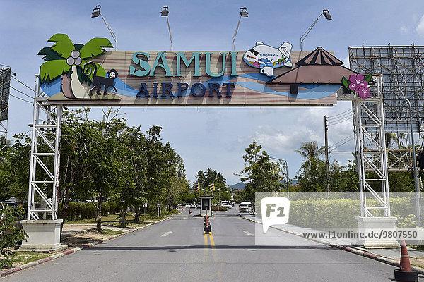 Eingangstor beim Samui Flughafen  Koh Samui  Thailand  Asien