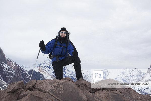 Porträt eines Bergsteigers am Berg  Santiago  Chile