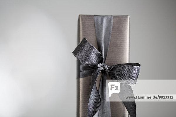 Geschenkverpackte Schachtel