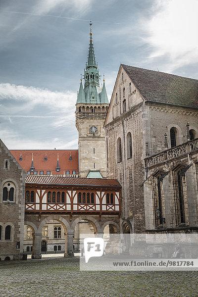 Deutschland  Braunschweig  Burgplatz mit Rathaus im Hintergrund