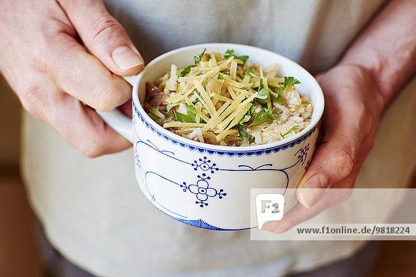 Reis und erstickte Krautsuppe