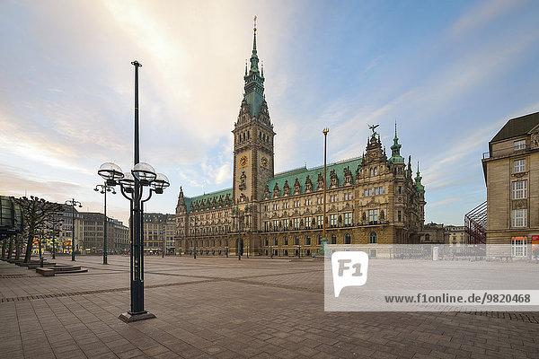 Deutschland  Hamburg  Rathaus am Morgen