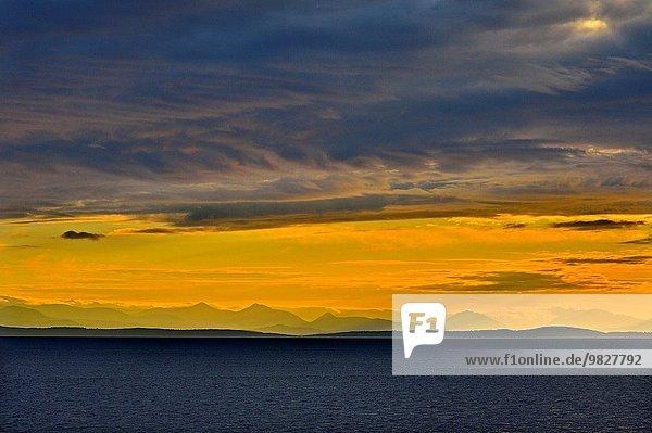 Wasser Berg Fotografie Wolke Sonnenuntergang Speisesalz Salz Meerenge Westküste