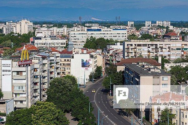 Morgen Hügel Großstadt Ansicht Erhöhte Ansicht Aufsicht vorwärts heben 6 Prachtstraße Bulgarien Plovdiv September