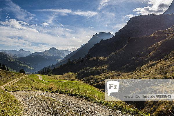 Bergstraße mit Allgäuer Alpen  Schoppernau  Bregenzerwald  Vorarlberg  Österreich  Europa