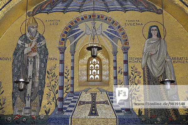 Wandmosaik in der Tränenkapelle des Odilien-Klosters am Odilien-Berg  bei Ottrott  Département Bas-Rhin  Elsass  Frankreich  Europa
