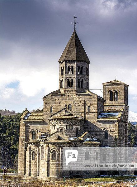 Romanische Kirche von Saint Nectaire  Département Puy-de-Dôme  Auvergne  Frankreich  Europa
