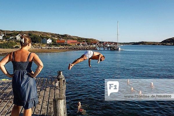 Mensch Menschen baden Schweden Westküste