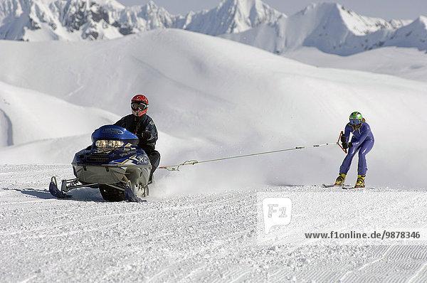 Teamwork Winter Mann Berggipfel Gipfel Spitze Spitzen Wettbewerb üben See Ski Frau Arktis