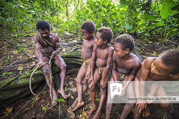 Führung Anleitung führen führt führend Junge - Person jung Landschaft Ritual