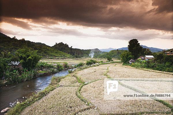 Wolke Landschaft über Sturm Dorf Tanga