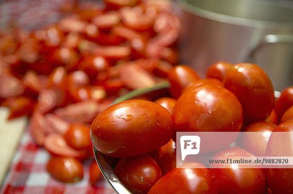 Vorbereitung Tomate Einmachglas