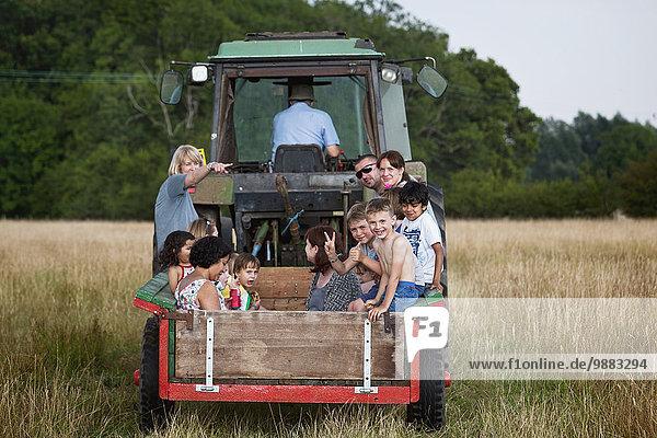 nehmen Sommer fahren Agrarland Traktor Bauer England Kent mitfahren